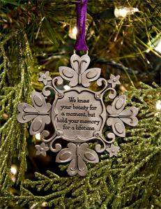 Snowflake_Memorial_Holiday_Ornament